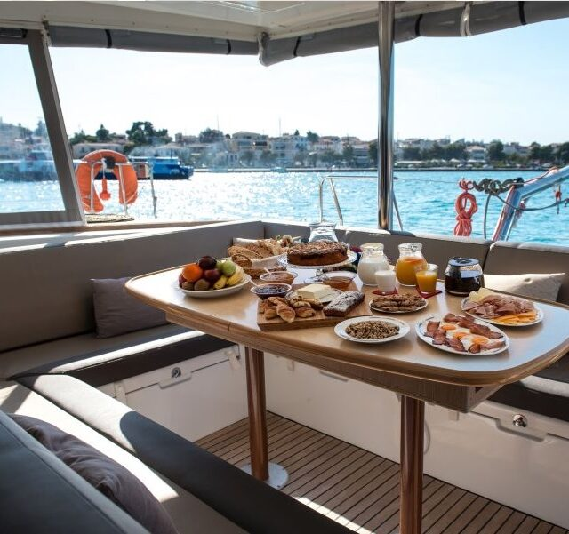 Elvira Luxury Yacht 06