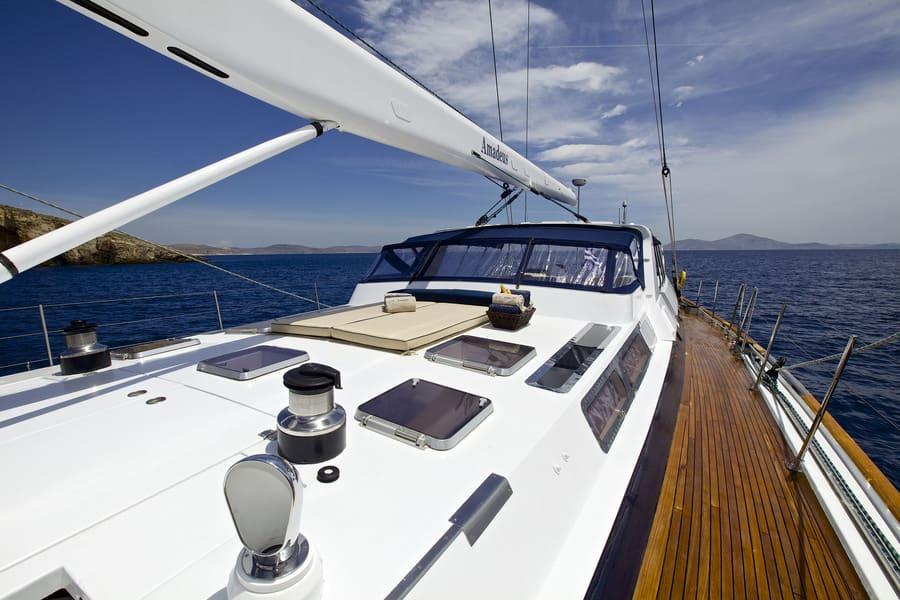 Luxury Yacht Charters in Greece
