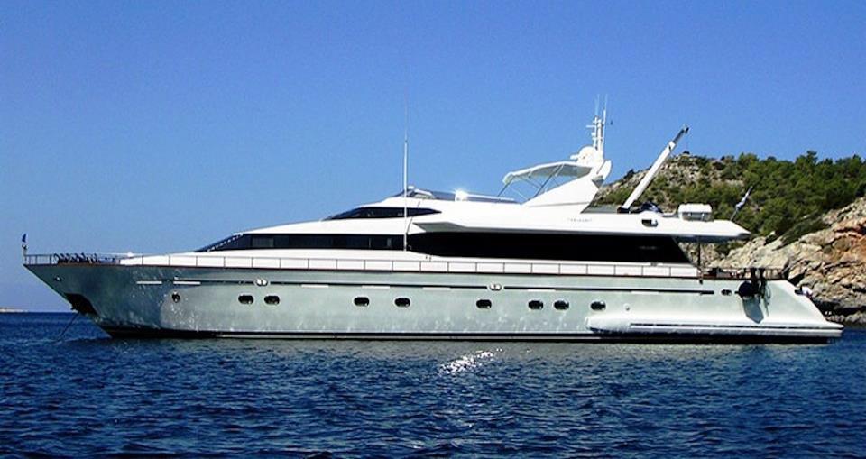 Falcon Island Motor Yacht 01