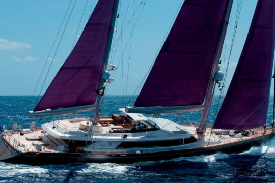 Cruise With A Luxury Sailing Yacht