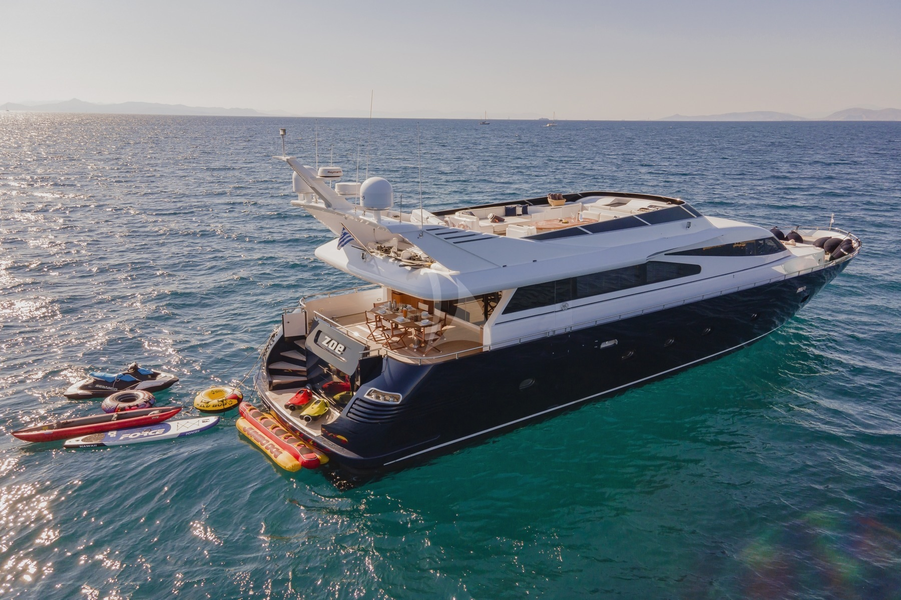 Zoe Motor Yacht 02